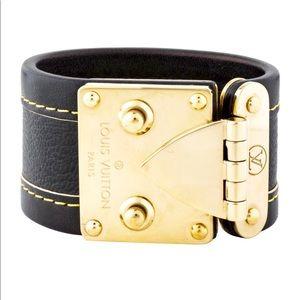 🦋 Authentic Louis Vuitton Black Leather Bracelet